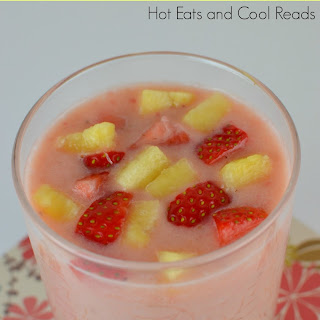 Banana, Pineapple and Strawberry Smoothie