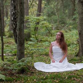 by Anngunn Dårflot - Wedding Bride