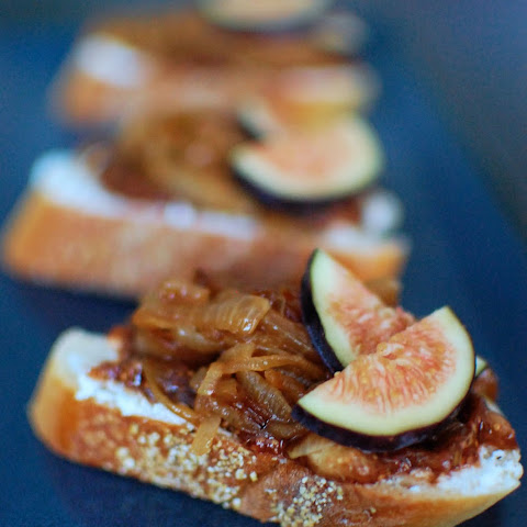 Fig, Goat Cheese, and Caramelized Onion Crostini