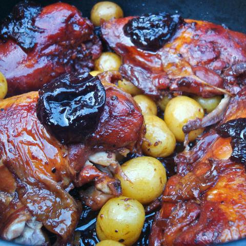 Chicken with Prunes Tsimmes (Meat)