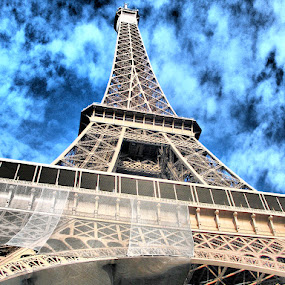 Eiffel Tower by Ingrid Dendievel - Buildings & Architecture Statues & Monuments ( eiffel tower, paris, tower, france, monument )