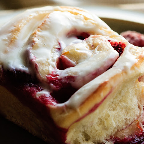Lemon Raspberry Sweet Rolls