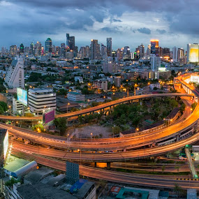 Bangkok Cityscape Panorama with HDR effect by Waraphorn Aphai - Uncategorized All Uncategorized ( thecityneversleep, skyscraper, bangkokcityscape, landscape, longexposure, panorama )