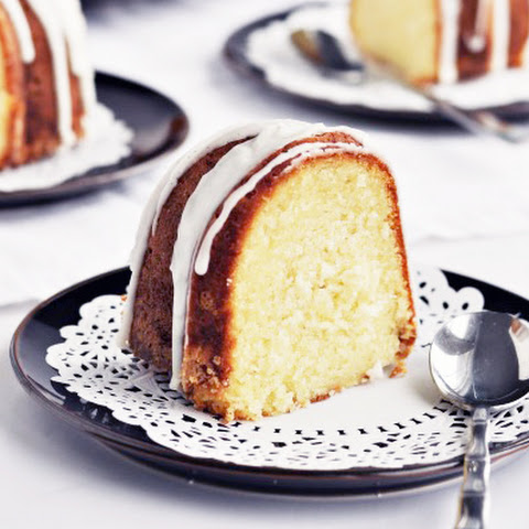 Vanilla Bean Bundt Cake with Vanilla Bean Glaze