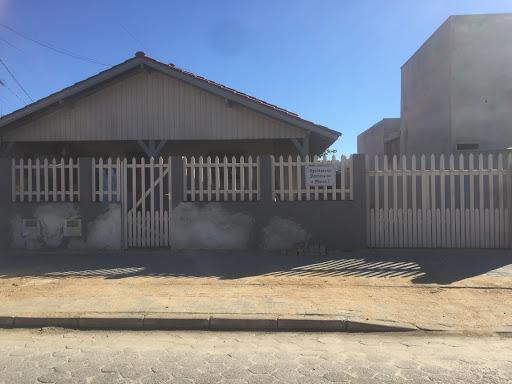 Casa com 2 dormitórios para alugar, 96 m² por R$ 930/mês - Praça - Tijucas/SC