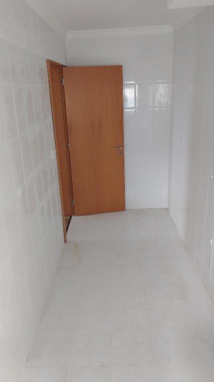 Apartamento de 2 dormitórios em Cristo Rei, Curitiba - PR