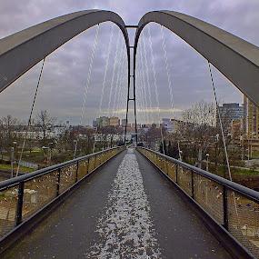...na druhou stranu lávky.... by Vláďa Lipina - Buildings & Architecture Bridges & Suspended Structures