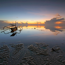 taking a break by Gede Widiarsa - Transportation Boats ( bali, jukung, sanur, sunrise, boat )
