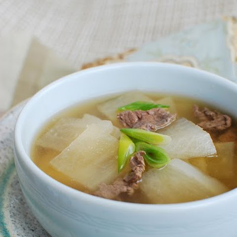 Korean Radish Soup (Muguk)
