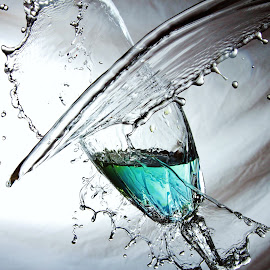Splashing time by Peter Salmon - Artistic Objects Glass ( colour, water, splash, glass, mess )