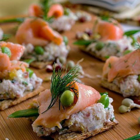 Ceviche Salmon and Peas on Triscuit Crackers