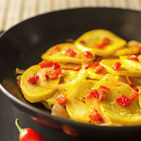 Yellow Squash with Red Pepper