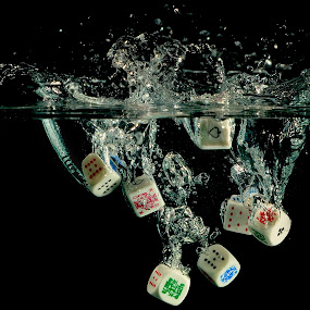 Coming up Flush ? by Jean-marc Nehmé - Artistic Objects Other Objects ( water, poker, splash dice )