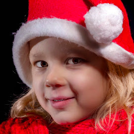 Smile in red by Mario Toth - Babies & Children Child Portraits ( child, red, girl, christmas, smile )