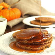 Healthy Whole Wheat Pumpkin Pancakes