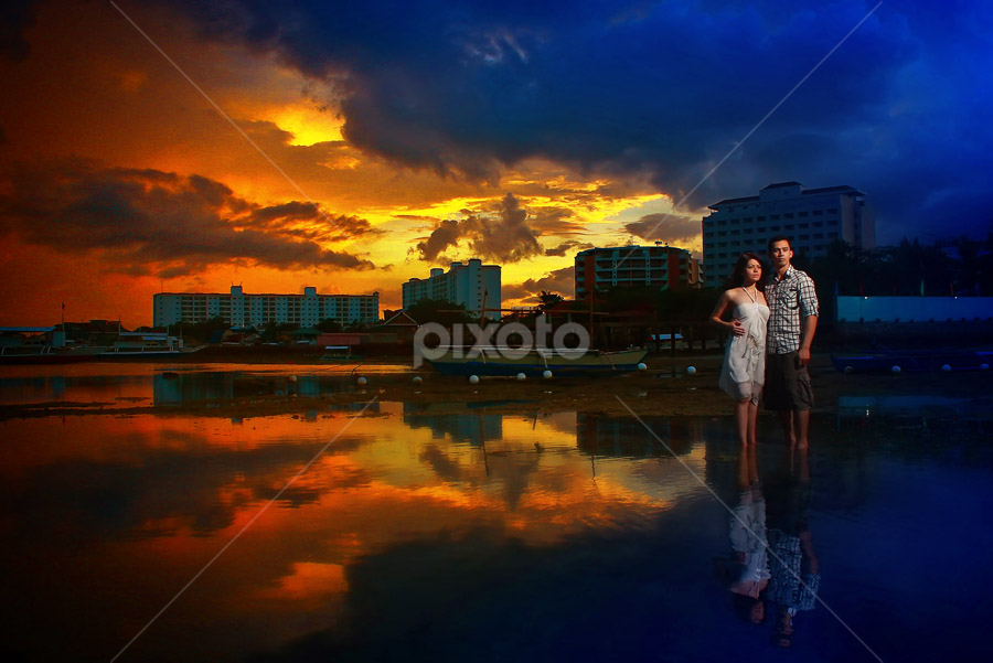 Sunset of Love by Roland Caranzo - People Couples ( pwcflashes-dq )
