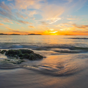 Sunset at Aakrasand #3 by Thomas Sjøen - Landscapes Sunsets & Sunrises ( sunset, beach, åkrehamn, coast, norway )