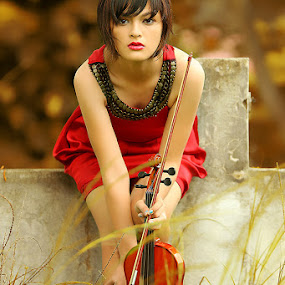 Violin Girl by Ayeeb Sasabone - People Fashion