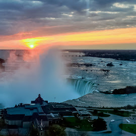 Sunrise over Niagara by Ioannis Alexander - Landscapes Sunsets & Sunrises ( waterscape, waterfall, niagara, sunrise, watervapor,  )