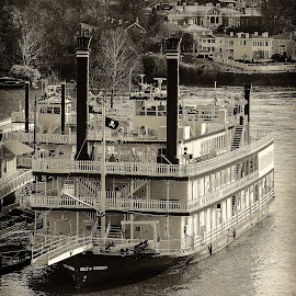 Yesteryear by Richard Michael Lingo - Transportation Boats ( ohio, vintage, boats, ohio river, cincinnati, transportation )