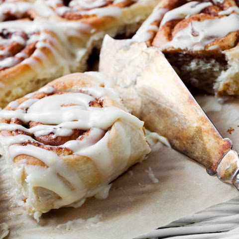 Slow Cooker Apple and Cinnamon Yeast Rolls Recipe | Yummly