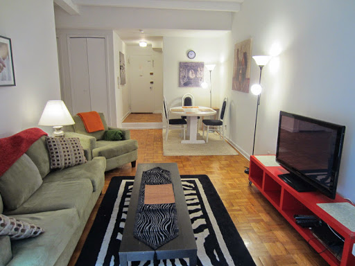 X-large 1 bedroom located on Upper East Side