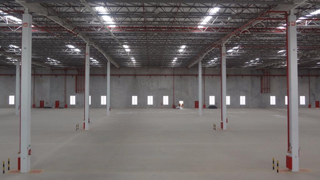 Galpão para alugar, 1.611 m²  - Itapevi/SP