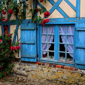 A window at Gerberoy by Gérard CHATENET - City,  Street & Park  Street Scenes