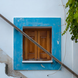 The window by Grigoris Koulouriotis - Buildings & Architecture Architectural Detail ( home, stairs, window, blue, greece )