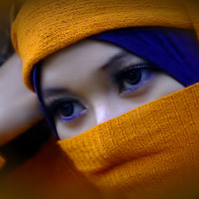 The eye by Opha Banyolman - People Portraits of Women