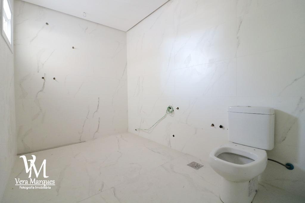 Sobrado de 3 dormitórios à venda em Chácara Das Pedras, Porto Alegre - RS