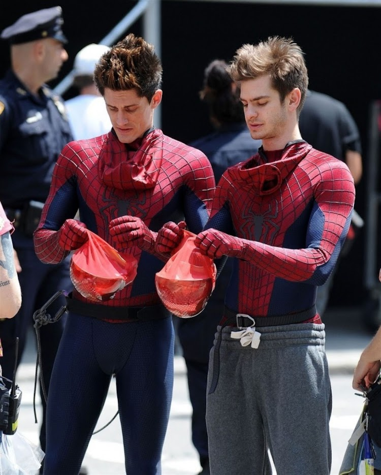 Andrew Garfield and his understudy William Spencer while filming the movie