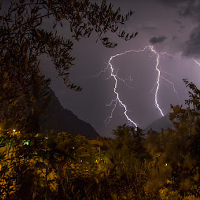Thunerstorm by Luka Milevoj - News & Events Weather & Storms
