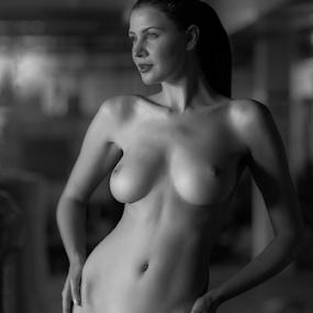 nude by Reto Heiz - Nudes & Boudoir Artistic Nude ( sexy, nude, black and white, nudeart, female nude )