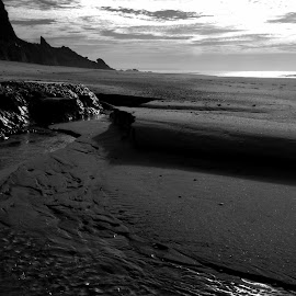 Sands and water by Gil Reis - Black & White Landscapes ( water, sand, beaches, life, nature, places, portugal )