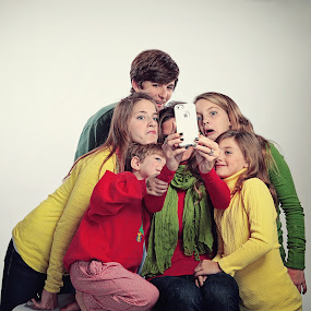 The Selfie by Lee Wimberly - People Family