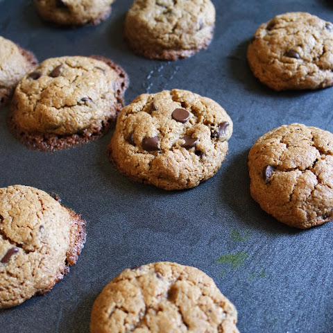 (Paleo) Chocolate Chip Cookies