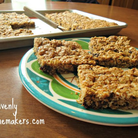 (No Flour) Monster Chocolate Chip Cookie Bars – The Heathier Way