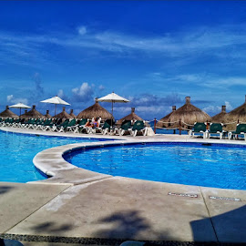 Cozumel by Kevin Whitaker - Instagram & Mobile Android ( sun shine, tequila, cuban cigars, fresh water, salt water, relax, tranquil, relaxing, tranquility )