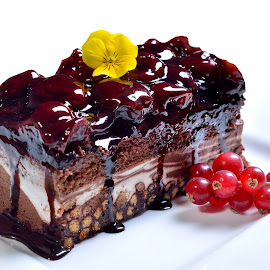 Chocolate cake by Sorin Petculescu - Food & Drink Candy & Dessert ( cake, chocolate, desert, food )