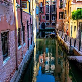 Reflections, light and shade, Venice by Hariharan Venkatakrishnan - City,  Street & Park  Vistas