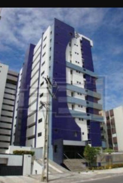 Lindo apartamento mobiliado, com uma ótima localização. de Invista Imóveis.'