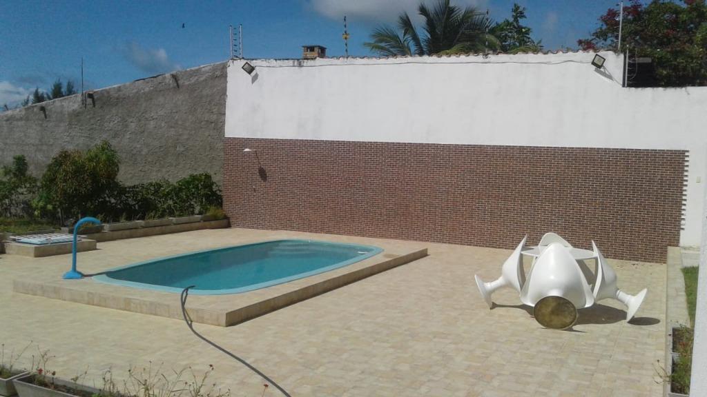 Casa com piscina, nova, terreno de 1440 m², linda vista do mar!