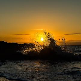 Yorkey's Knob sunrise by Callie Black - Landscapes Sunsets & Sunrises ( beach, sunrise, water splash,  )