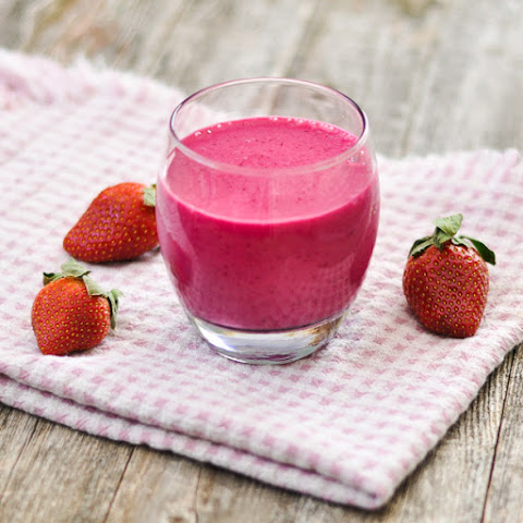 Beet Strawberry Banana Smoothie