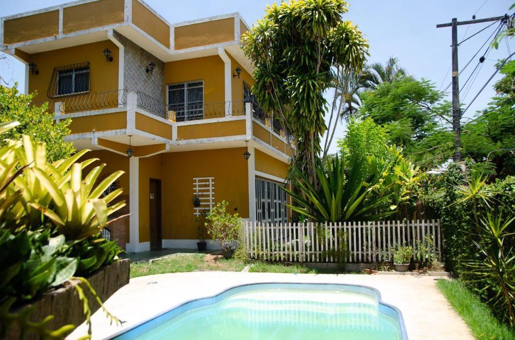 Casa com 3 dormitórios à venda, 187 m²  - Bom Retiro - São Gonçalo/RJ