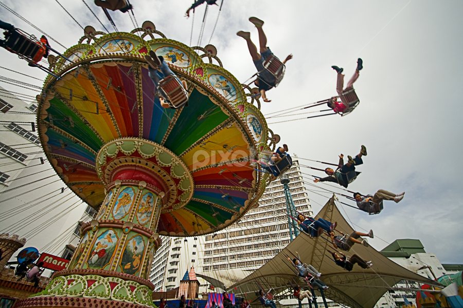 200712211035 by Steven De Siow - City,  Street & Park  Amusement Parks ( spinning, amusement park, amusement ride, amusement, fun )