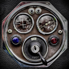 Ignition Lock by Marco Bertamé - Artistic Objects Technology Objects ( ignition lock, red, blue, vintage, instument, lamp )