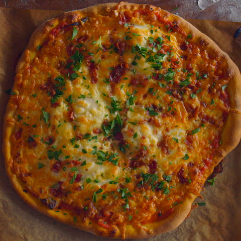Spicy Tomato and Egg Pizza