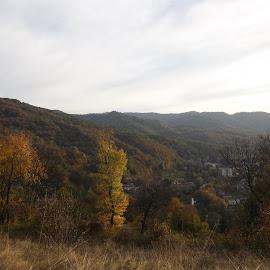 Есенен ден by Georgi Kolev - Novices Only Landscapes ( небе., есенно., гори., планини., време. )